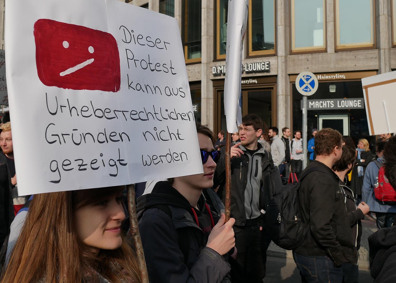 Symbolbild für Netzpolitik und die Relevanz für Jugendarbeit